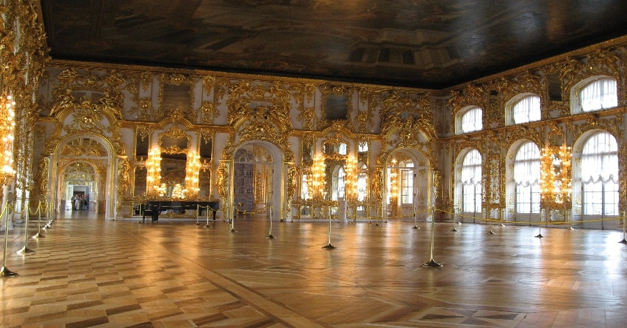 cung điện ở Saint Petersburg